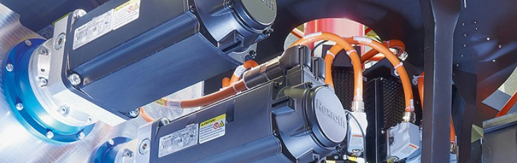 The Rexroth Motion Control synchronizes the drives in real time via SERCOS interface.