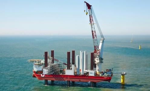 Hydraulic marine crane solutions