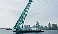Piling barge