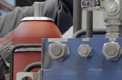 Hydraulic marine accumulators