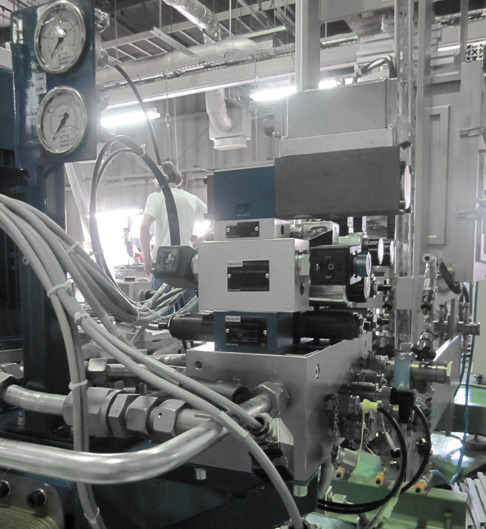 The hydraulic system from Rexroth ensures constant high pressure in the sintering system from GeniCore.
